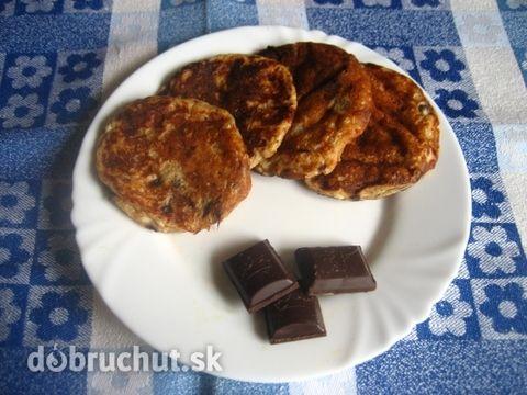 Tvarohové lievance zo špaldovej múky s čoko kúskami (cream cheese chocolate chips spelt pancakes)