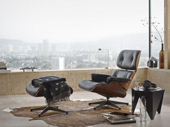Lounge Chair & Ottoman 1956 - Charles & Ray Eames Prismatic Table 1957 - Isamu Noguchi