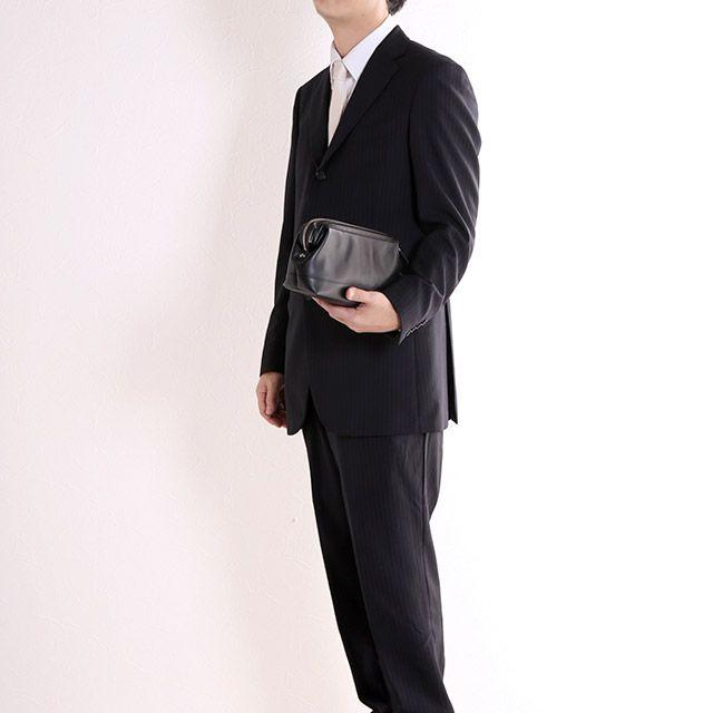 結婚式で男性がバッグを持つべき理由 男性 スーツ カジュアル バッグ