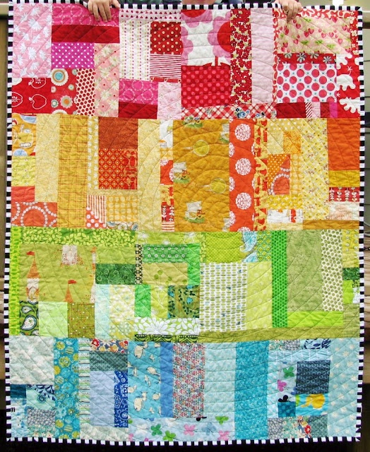 Love this quilt, with the circles.: Scrap Quilts, Baby Quilts, Circles Quilts, Colors Quilts, Scrappy Quilts, Quilts Ideas, Rainbows Quilts, Bright Colors, Blue Elephants