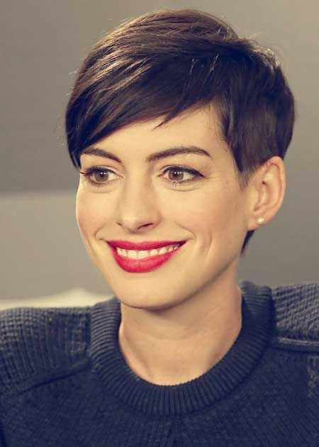 I realize this cut won't flatter me or a lot of women but it is cute in a boyish way and Anne Hathaway really pulls it off.