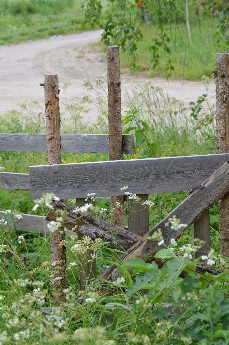 Arkipaita http://www.stoori.fi/arkipaita/aiti-pahalla-paalla/