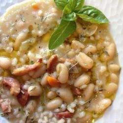 Zuppa di orzo e fagioli (Bohnensuppe mit Gerste)