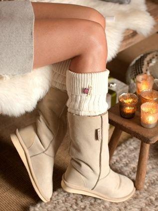Get comfy: Kuschelig wird der Herbst mit gemütlichen Schlupfstiefeln.