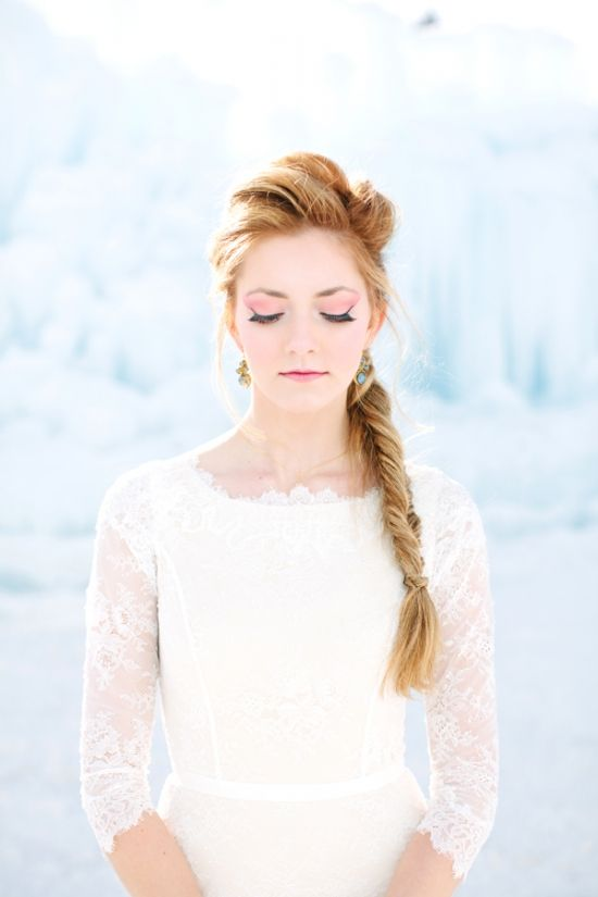 look downward, bride pose, winter wedding, bride