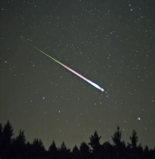 Leonid Meteor Shower: Happening Now (November 17th) I've had my head in books the last few months and have lost track of things like annual comet crumb showers. Despite the short notice, I wanted to let you all know there's a giant meteor shower...