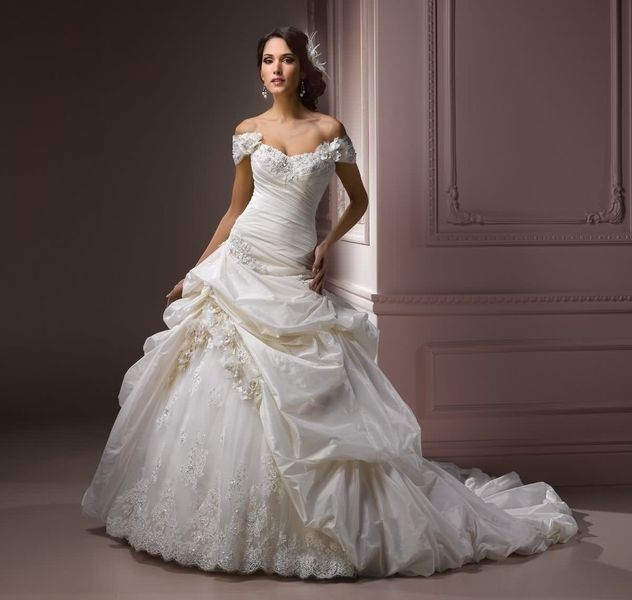 Maggie Sottero Decadence Royale In Diamond White Size 8 Second-Hand Wedding Dress | Still White South Africa
