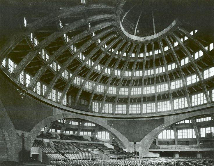 Jahrhunderthalle building designed by architect Max Berg (1911-1913)