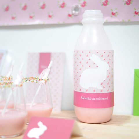 Lieve, roze etiketten om je wijnflessen te pimpen! #babyborrel #communie #stickers #bottle #party #beaublue