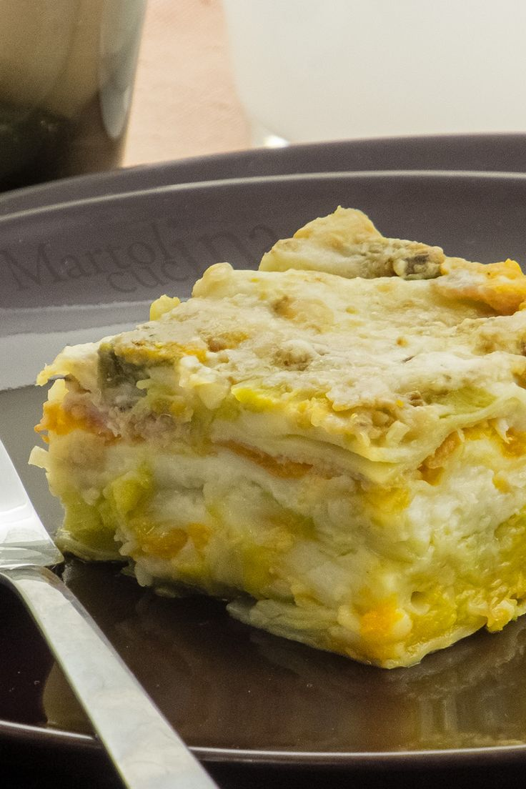LASAGNE ZUCCA E PORRI #lasagne #zucca #porri #primo #piattounico #festa #domenica #ricettafacile #freezer #congelatore #ricettavegetariana #vegetariano #lasagneverdure