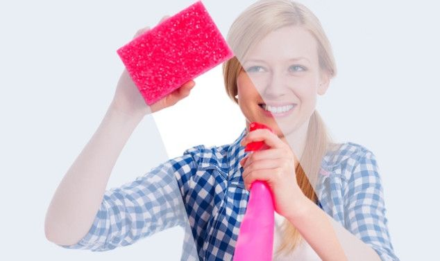 Seven Common Household Cleaning Products You Can Replace with Vinegar | SocialMoms