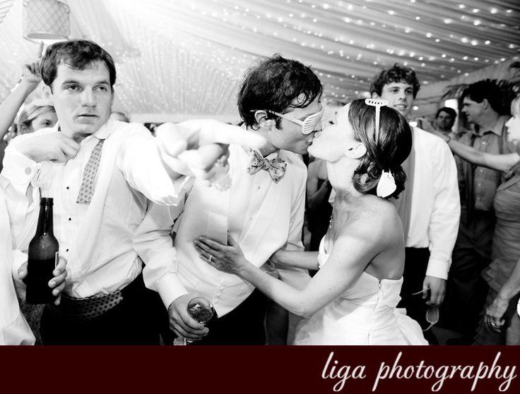 ligaphotography.com // Miriam & Mark's Wedding #biltmoremiami #biltmoremiamiweddings #miamiweddings #floridaweddings #floridaweddingvenue #miamiweddingvenue #southfloridaweddings #southfloridaweddingvenue #ligaphotography #weddingreception #weddingcandids