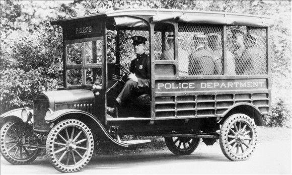 Výsledek obrázku pro police car 1919