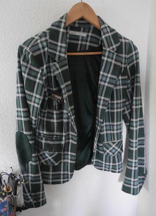A vendre sur #vintedfrance ! http://www.vinted.fr/mode-femmes/blazers/14768266-veste-blazer-matiere-sweat-only