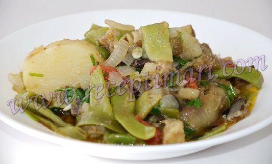 Стручковая фасоль приготовление первого блюда из баклажанов и зеленой фасоли с картошкой. Грузинское овощное , постное первое блюдо фасоль с баклажанами