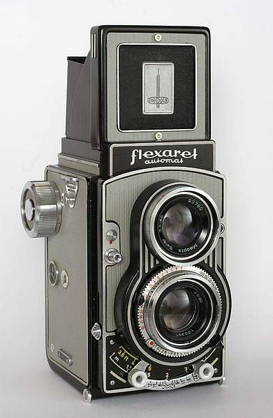 A list of twin lens reflex cameras for those who want to make their photography more vintage and expressive.