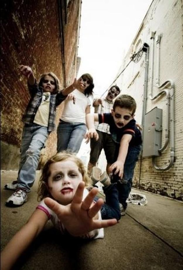 DIY Zombie Family Costume | 18 DIY Zombie Costume Ideas - Halloween Party Ideas by DIY Ready at http://diyready.com/18-diy-zombie-costume-ideas/