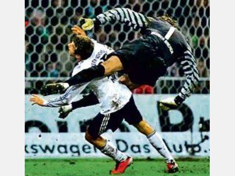 Die heftigsten Sport Fouls ever! Gerry Ehrmann?