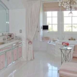 Lisa vanderpump 39 s house pics from http hookedonhouses Lisa vanderpump home decor for sale