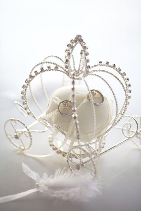 metal wedding ring holder
