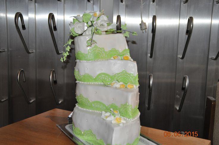 meine erste Hochzeitstorte Schoko, Nuß Himbeer, Wiender Mädeltorte und Biskuit mit weißer Schokocreme