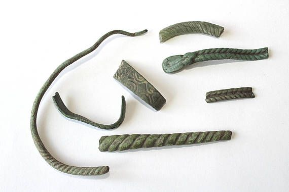 Archaeological Set fragments different ancient bracelets the