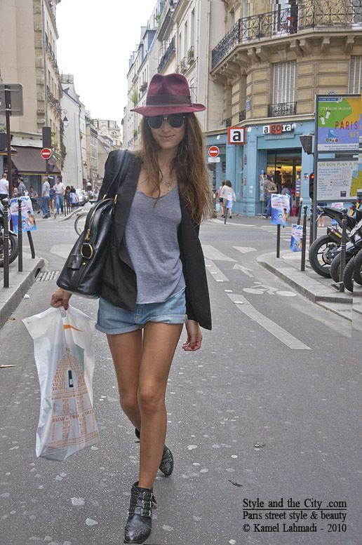 Street Fashion,  Minis, Ankle Boots, Street Style, Paris Street, Jeans Shorts, Denim Shorts, Black Blazers