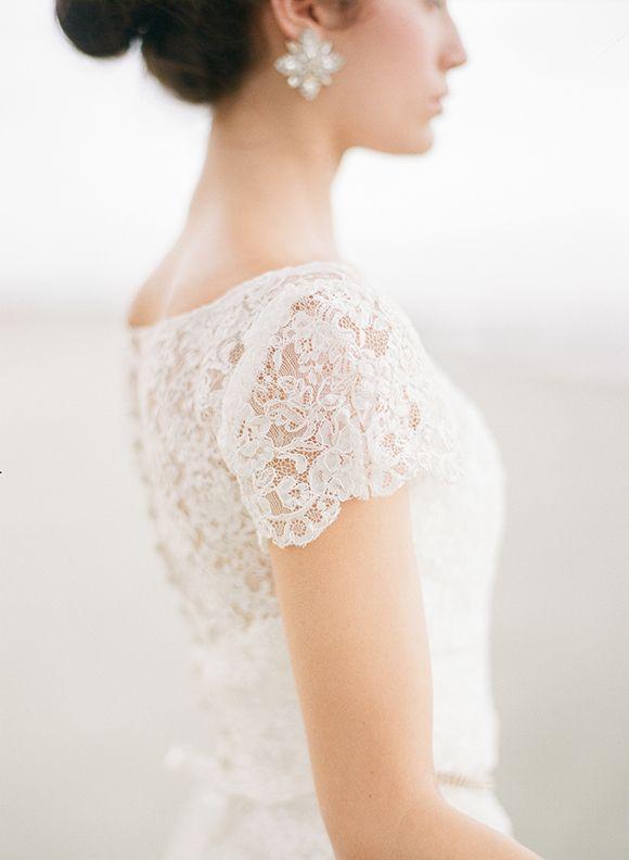 Stormy Bridal Session in Charleston | Wedding Sparrow | Sara Donaldson Photography