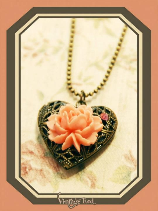 Handmade vintage style necklace