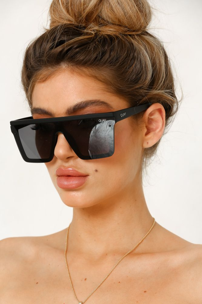 de2736bf556be QUAY Hindsight Sunglasses Black in 2019