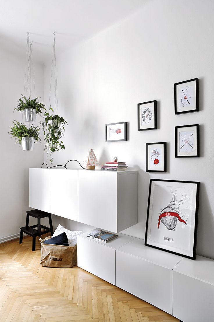 Detail of the bedroom in collaboration with the magazine NOVÉ PROMĚNY BYDLENÍ. Interior design: Lenka Damová, photo: Veronika Rafajová