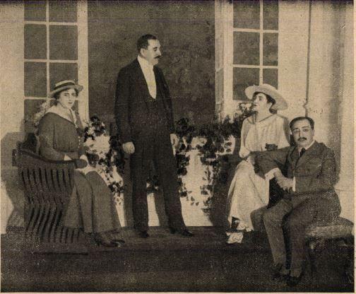 Gombaszögi Ella (Lencsi) - Herczeg Ferenc (a szerző) - Varsányi Irén (Cecile) - Hegedűs Gyula (Pál) Vígszínház (1917) - Forrás: Színházi Élet