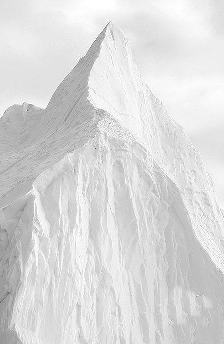 #jemevade #ledeclicanticlope / Sur un glacier ... quoi ? Comment ça on est jamais content ?! Via odetothings.tumblr.com