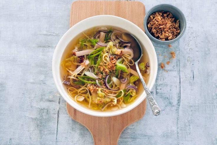 Chinesekoolsoep met kip - Recept - Allerhande