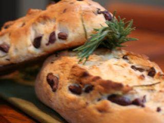 Pão de Azeite com Azeitona e Alecrim