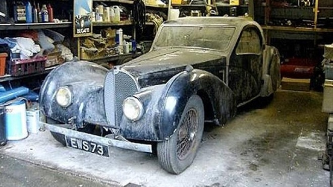 4.4 million dollar Bugatti treasure found in garage in 2007.57S Atalant, Bugatti Types, 1937 Bugatti, Garages, Barns Finding, Vehicle Lost, Types 57S, Barnfind, Exotic Cars