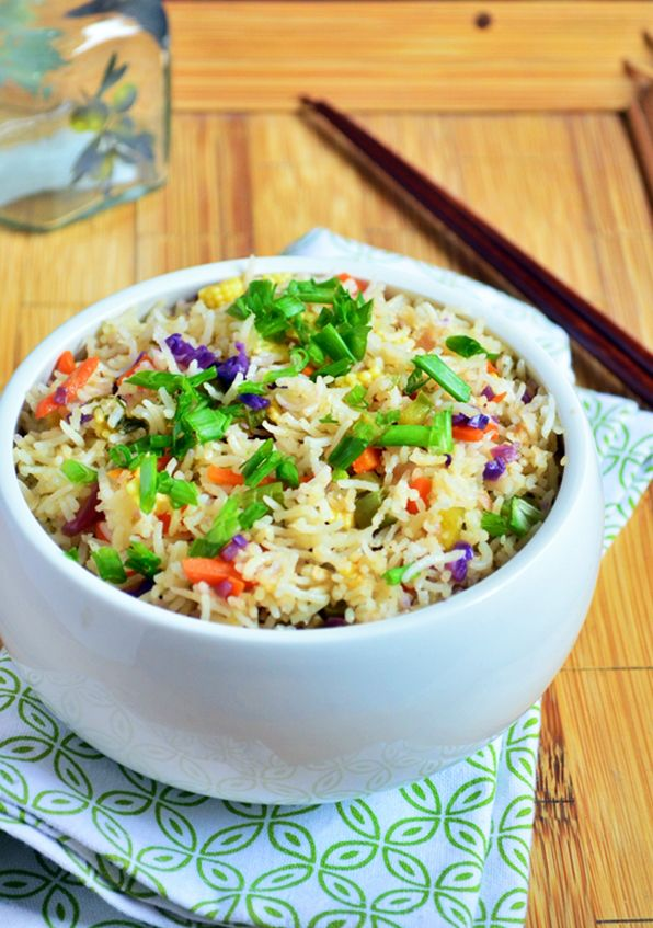 Restaurant style vegetable rice recipe: Very delicious and flavorful Indo chinese fusion fried rice made the restaurant way,recipe @ http://cookclickndevour.com/restaurant-style-vegetable-fried-rice-recipe
