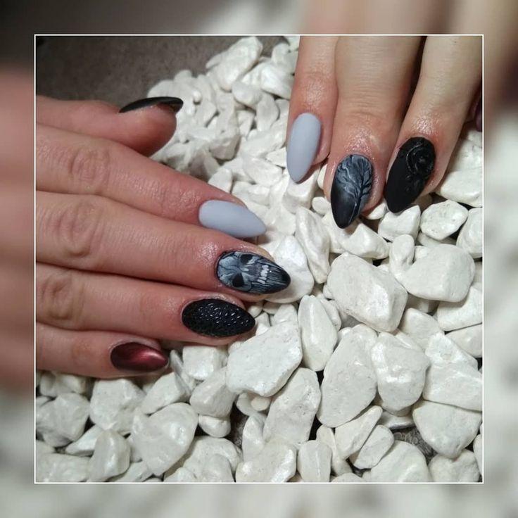 #acrylicnails #darknails #darkdesign #blacknails #greynails #almongnails #bordonails #dark #longnails #magdaKnailArtist