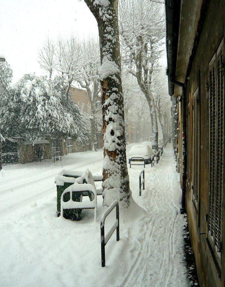 Le boulevard Emile et François Zola sous la neige en janvier 2009.
