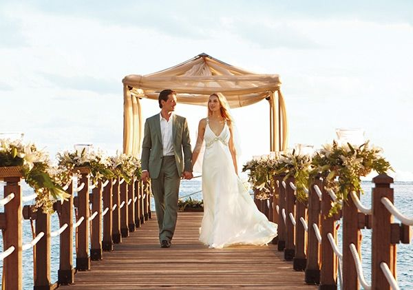 Soothe your body and mind before tour big day and savor a romantic private dinner on the beach with our most luxurious wedding package.