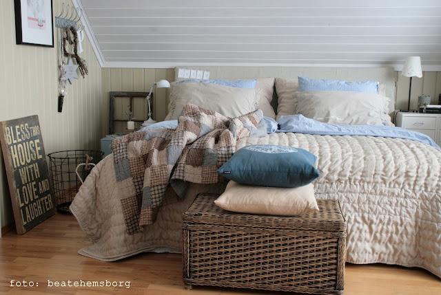 cosy bedroom brown +beige + white + light blue | Interior