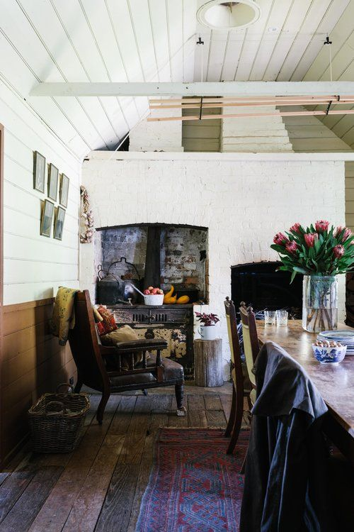 Ewing Farm, Tylden, Victoria. Photo by Marnie Hawson, Melbourne interior photographer for Country Style magazine. Styling by Tess Kavanagh. See https://www.marniehawson.com.au/interiors/#/ewing-farm-tylden-for-country-style/ for more photos of this Australian country farmhouse.