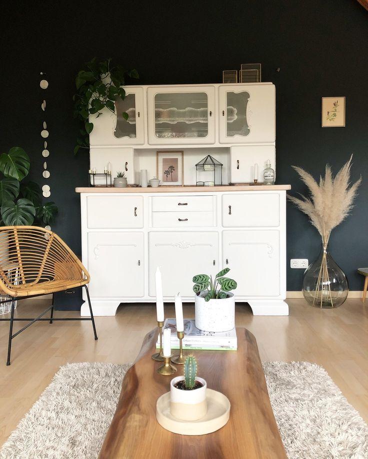 Autumn mood 🌿 #livingroom #vintage #plants #pa …