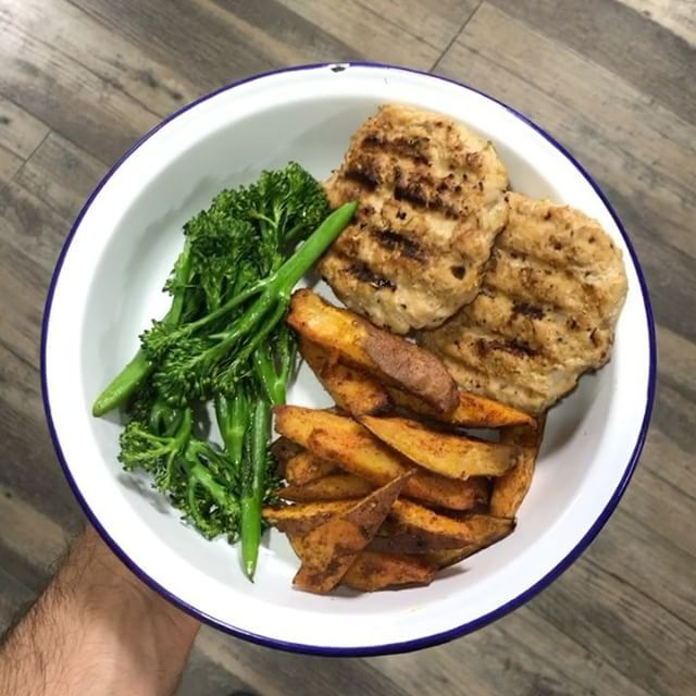 One of my favourite post workout meals from cycle one of my #90daysssplan Visit the bodycoach.com (link in bio ) to find out more ❤️️ #food #fitness #nutrition with @lucybeecoconut