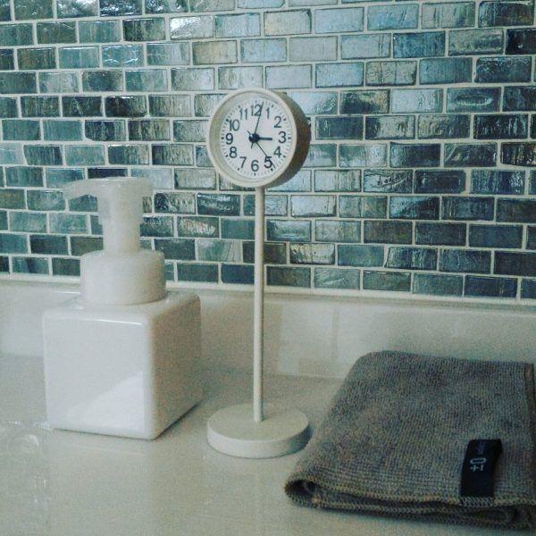 インテリアのアクセントにもなる置時計。素敵なアレンジ例をご紹介します! | folk