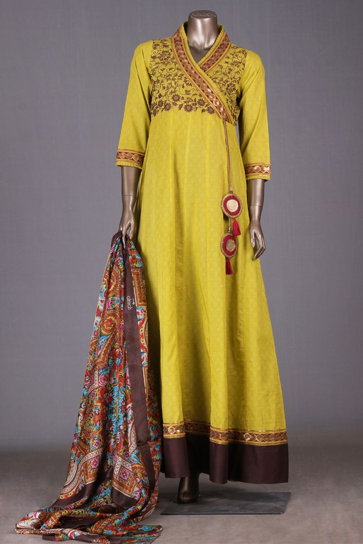 Long mustard pakistani dress for a mayoun