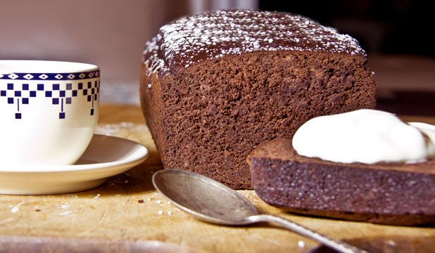Red kidney bean chocolate cake - Low in sugar, gluten free. Dense, silky cake is far from conventional, is equally at home as kids' birthday cake or dinner-party dessert. Best served with creme fraiche.