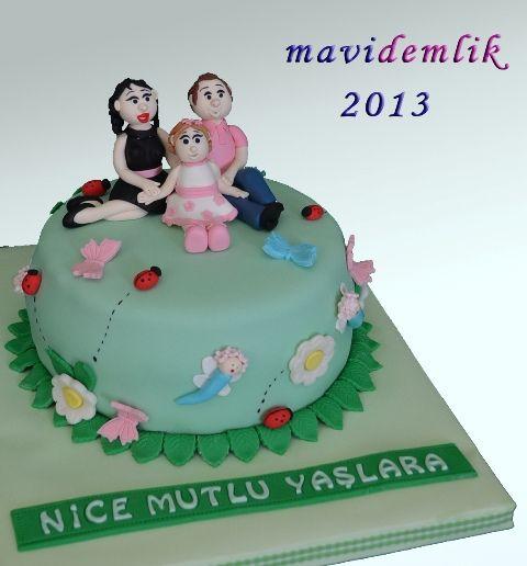 mavi demlik mutfağı- izmir butik pasta kurabiye cupcake tasarım- şeker hamurlu-kur: AİLE TEMALI DOĞUM GÜNÜ PASTASI