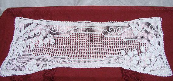 Camino de mesa de uvas blancas filet crochet por BearMtnCrochet