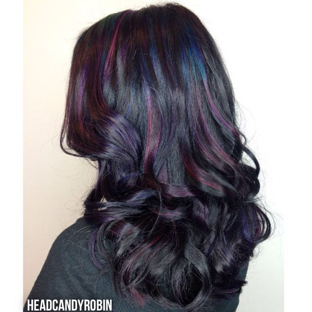 ✂️ Fun oil slick color! This adorable new client wanted oil slick color with lots of different shades and a dark base. This was her first venture into fun color & I was happy to introduce her to a whole new world! Details below----->  #headcandyrobin #salonheadcandy #oilslickhair